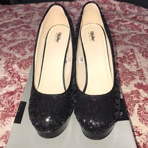 Black sequin mossimo pumps